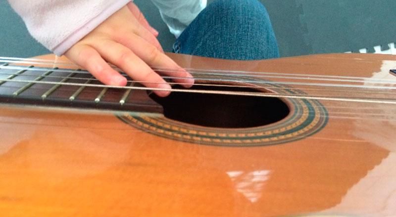 Musicoterapia aplicada a crianças e jovens com nee